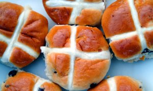 Hot-cross-buns-001