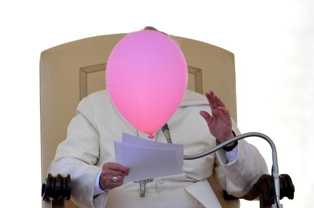 pc-140514-pope-balloon-730a_f4e11a56294d8118a131d1ae3f88f9f5